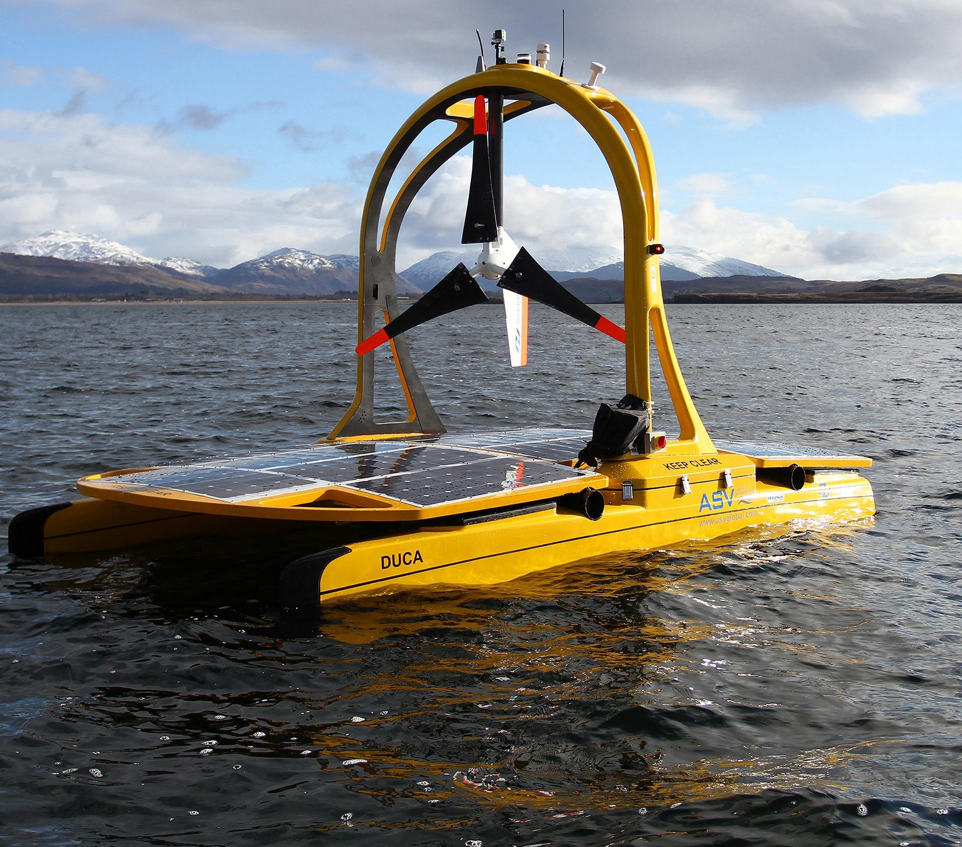 Autonomous unmanned boat